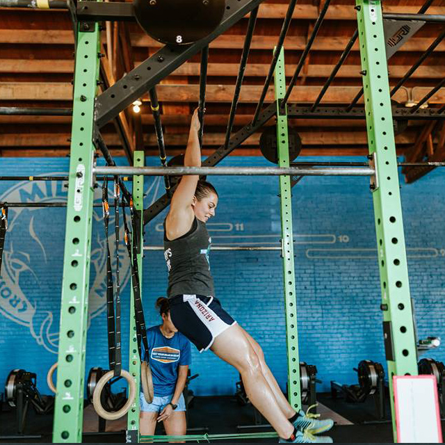 Woman doing endurance training during open gym time