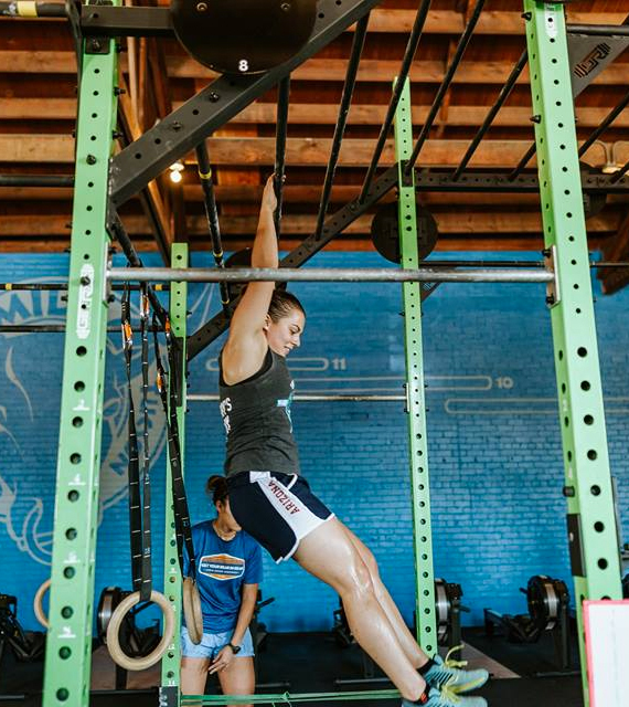 workout with a partner spotting hanging challenge